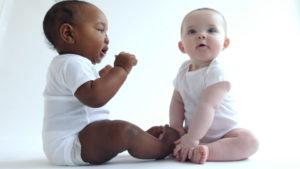 bebes y hernia umbilical