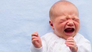 bebé con hernia diafragmatica
